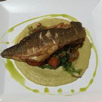 Fischfilet und Gemüse