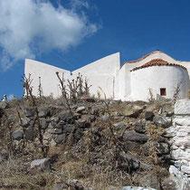 Typische Architektur mit zwei Schrägdächern