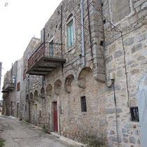 Außenmauer von Olymbi