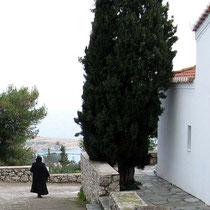 Freundliche Nonne