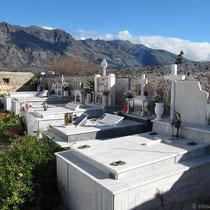 Mit Friedhof dabei