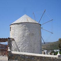 Leros: Windmühle über Panteli