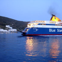"Die ""Blue Star Paros"" in Katapola"