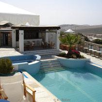 Folegandros: Pool der Folegandros Apartements