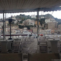 Am Montagmorgen sind die Cafés leer