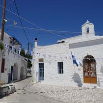 Platz und Kirche in Chorio