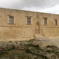 Festungsähnlich