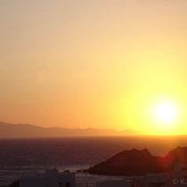 "Tnos: Sonnenuntergang vom ""Athos"" aus."