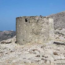 Solide gebaut - der weiße Punkt ist Agios Theologos