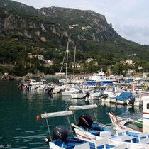 Der Hafen von Paleokastritsa