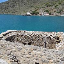 Die ersten Gebäude von Tristomo