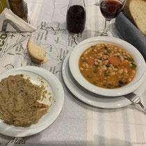 Melitzanosalata und Fassolada