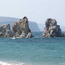 Felsen beim Mavrospilia-Strand
