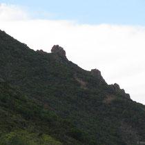 Auch an Land hat es Felsenklippen