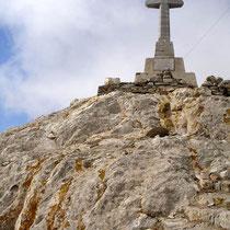 Tinos: Gipfelkreuz Exomburgo