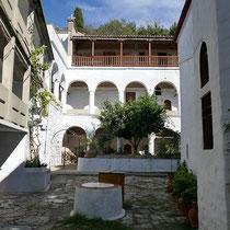 Im Kloster Timios Prodromos