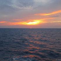 Erster Sonnenuntergang