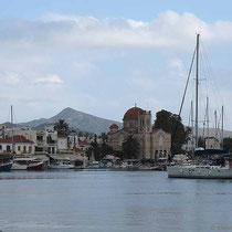 Und die große Kirche an der Marina