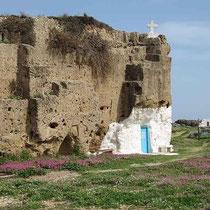 Felsen-Höhlenkapelle Agios Nikolaos