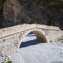 Kreta: Venezianische (?) Brücke in Agia Roumeli