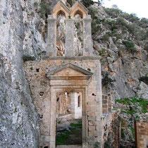 Portal zum Kloster