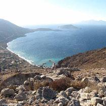 Die Bucht von Agios Antonis und Richtung Plaka