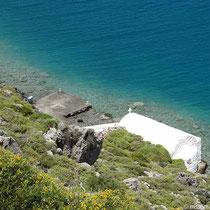 Kapelle (Agios Nikolaos?) an der Bucht
