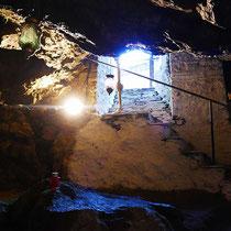 ... zur Grotte
