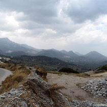 Blick nach Süden auf Moni und Chalki