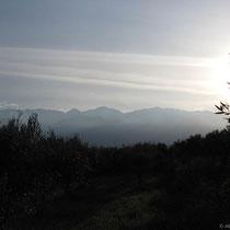 Die Weißen Berge von Kalyves aus