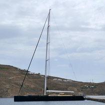 """Eine schwarze Yacht: die """"Barong D"""""""