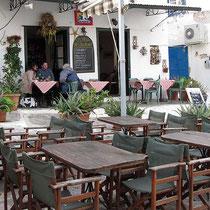 Die Taverne Ostria am Tag
