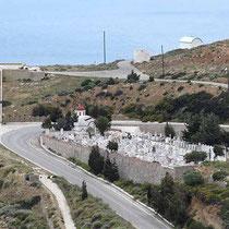 Blick Kriegerdenkmal und Friedhof