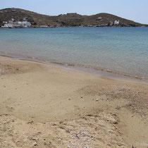 Und der schöne Strand von Gialos