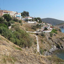 Küste unterhalb des Ortes
