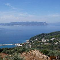 Blick auf Loutraki und Skiathos