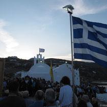 Natürlich weht die griechische Flagge