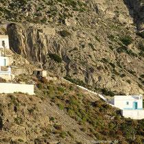 Die Kapelle unterhalb des Weges