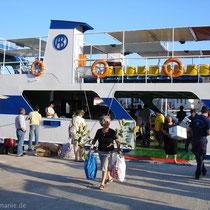 Chalki: Die Ankunft der Fähre zum Wochenende