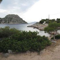 Die vorgelagerte Insel Doroussa und Aponissos