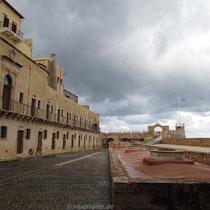 Der Hof des Museums/Firkas-Festung