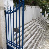 Stufen am Kirchenplatz