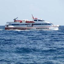 Als Tragflügelboot vor dem Abheben