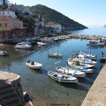 Der Hafen von Kamini(a)