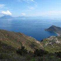 Nochmals der Blick auf das den Inselosten mit dem Plateau des Monte Terrione