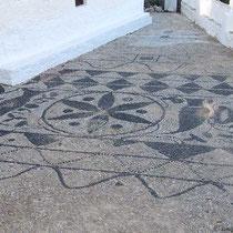 Mosaik bei der Kirche