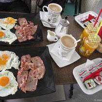 Zweimal englisches Frühstück bitte, aber ohne Bohnen und Würstchen!
