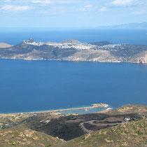 Blick über die Bucht von Adamas
