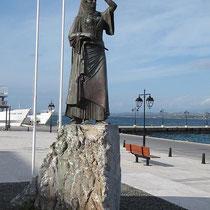 ....mit dem Bouboulina-Denkmal