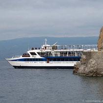 Das Ausflugsschiff...